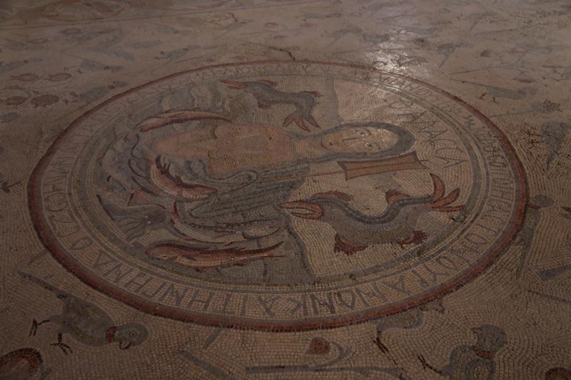 27 Mosaik-Apostelkirche