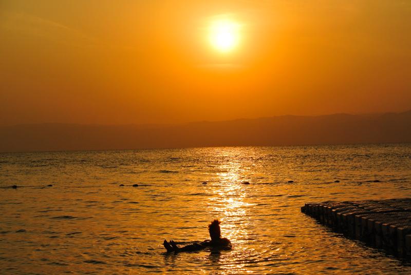 57 Sonnenuntergang am Toten Meer